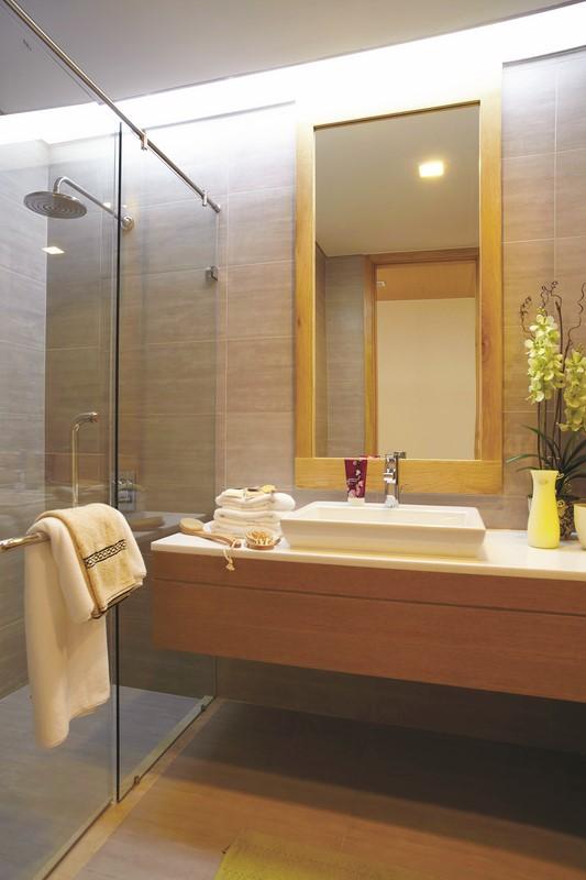 Phòng tắm kính cửa mở DQ 8171